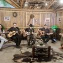 A viola para além da música sertaneja: grupo Violas ao Sul é atração do Vida no Sul