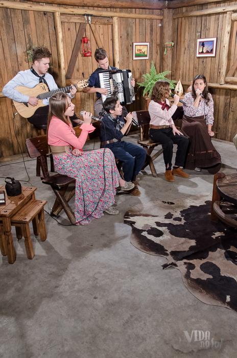 Grupo Mas Que Tal no Vida no Sul (Foto: Tiago Giannichini/ICPJ)