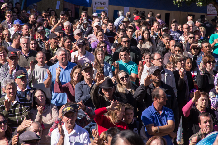 Milhares de religiosos presentes (Foto: Marcelo ferreira/ICPJ)