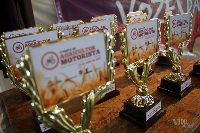 Em concurso lúdico de produtos coloniais, agricultores e motoristas foram homenageados (Foto: Marcelo Ferreira/ICPJ)