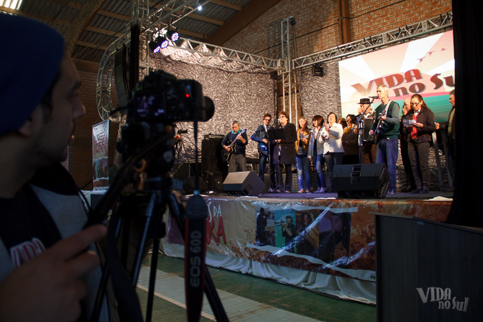 Moradores de Charrua apresentaram seu projeto musical, o Mensageiros da Alegria (Foto: Marcelo Ferreira/ICPJ)