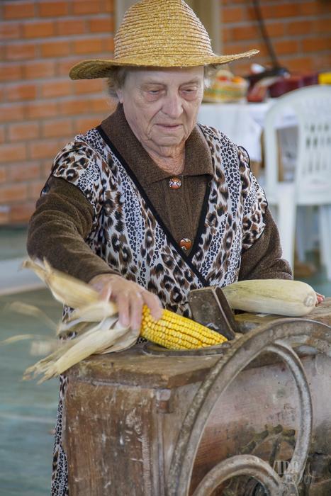 Momento de homenagear agricultoras e agricultores pelo trabalho e dedicação (Foto: Marcelo Ferreira/ICPJ)