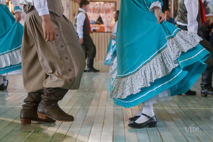 Jovens de Charrua apresentaram danças típicas gaúchas (Foto: Marcelo Ferreira/ICPJ)