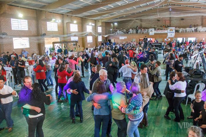 Ginásio Poliesportivo de Charrua recebeu população em festa (Foto: Marcelo Ferreira/ICPJ)