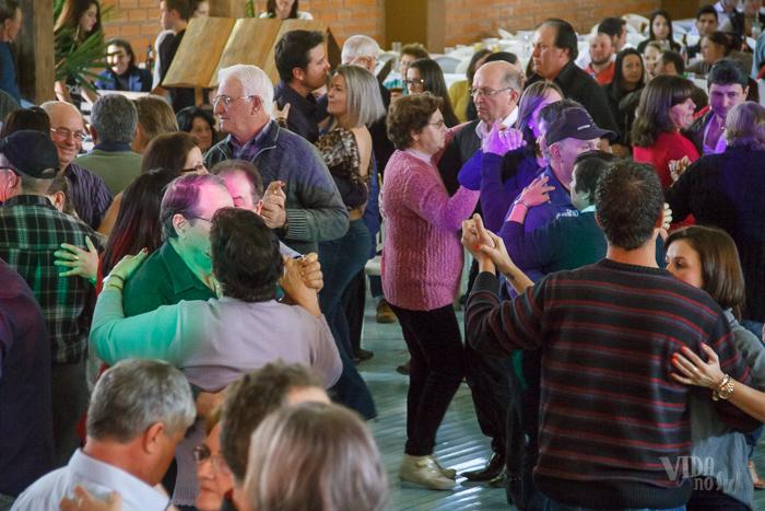 Charruenses dançaram e se divertiram (Foto: Marcelo Ferreira/ICPJ)