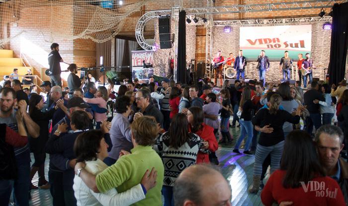 Festa reuniu centenas de charruenses (Foto: Marcelo Ferreira/ICPJ)